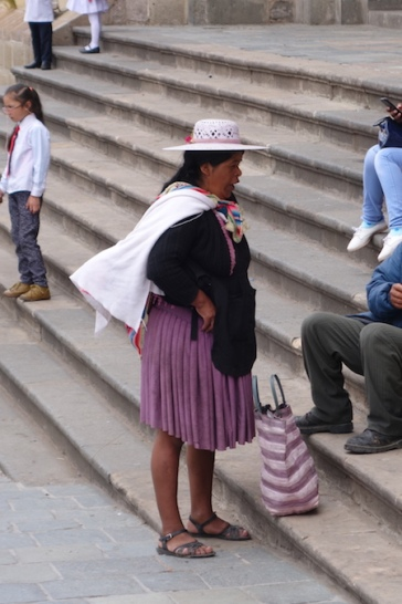 Distinctive Bolivian women's clothing is closely tied to the Spanish fashion of the 1700s.