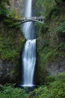 Multnomah Falls, 635 feet - with a bridge!